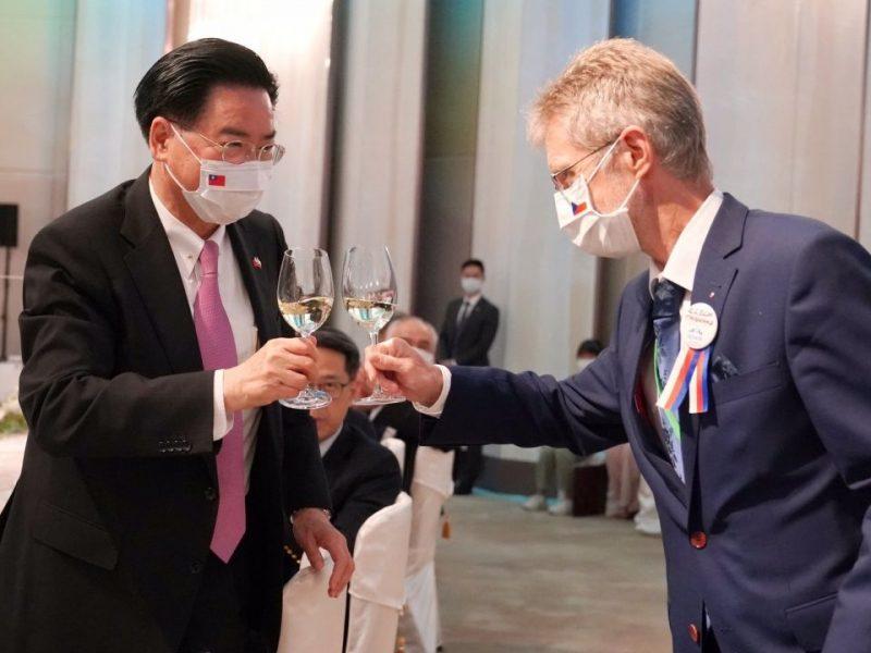 Przewodniczący czeskiego senatu i minister spraw zagranicznych Tajwanu