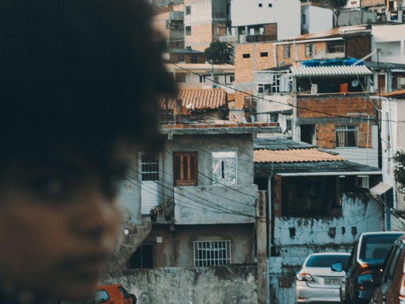 W pandemicznym kryzysie najmocniej ucierpią najbiedniejsi, np. mieszkańcy brazylijskich dzielnic biedy - faweli (Photo by João Ritter on Unsplash)