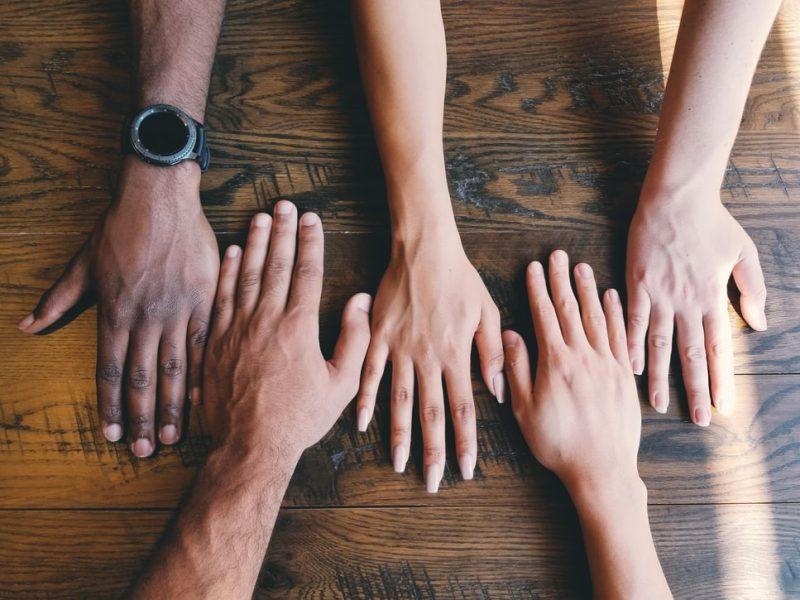Polska pomimo postępów w ostatnich latach osiąga gorsze wyniki pod względem różnorodności, akceptacji dla mniejszości etnicznych i migrantów, wynika z raportu Organizacji Współpracy Gospodarczej i Rozwoju (OECD).