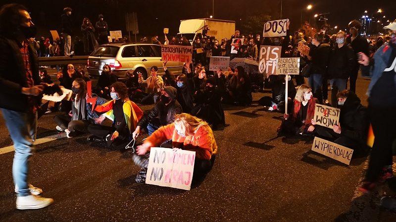 Blokady ulic w Warszawie 26.10.20, źródło twitter Partia Zieloni