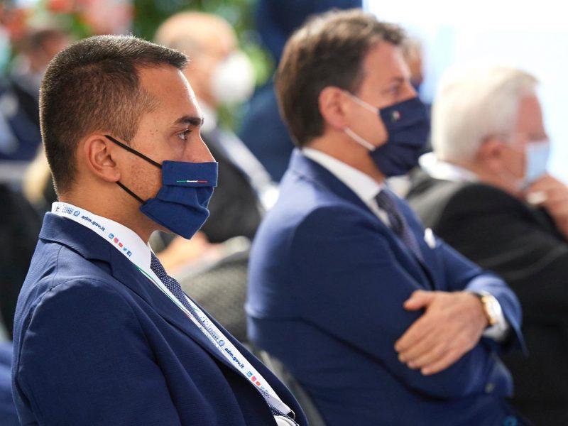 Włoscy minister spraw zagranicznych Luigi Di Maio i premier Giuseppe Conte