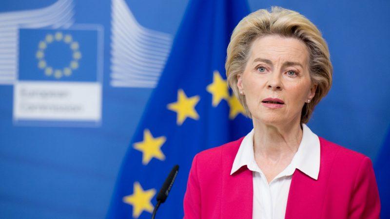 """""""Walka z wirusem to maraton. Potrzebujemy dobrego patrzenia w dal, wytrzymałości i siły"""", powiedziała przewodnicząca Komisji Europejskiej Ursula von der Leyen ."""