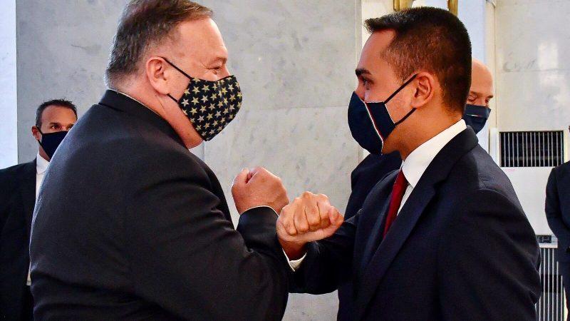 Sekretarz stanu USA Mike Pompeo i minister spraw zagranicznych Włoch Luigi Di Maio