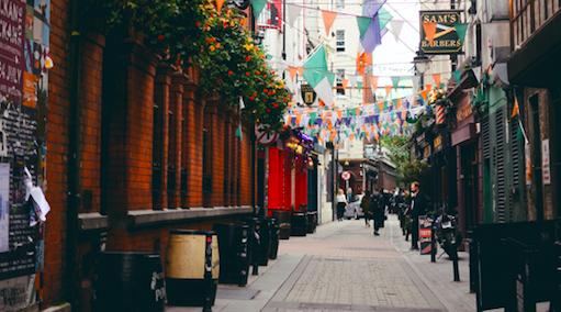 Irlandia wprowadza ponowny lockdown aż na sześć tygodni (Photo by Christian Bowen on Unsplash)