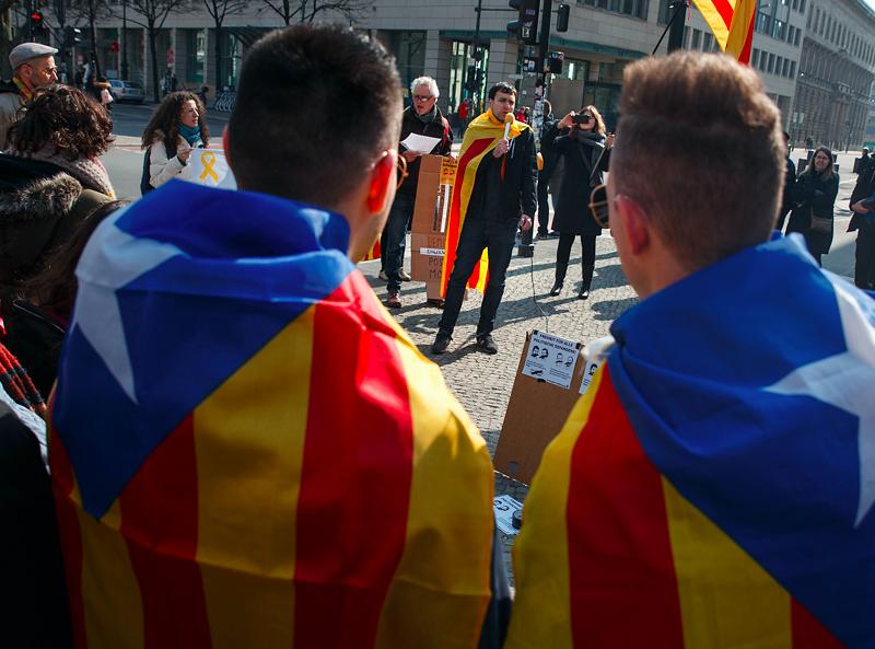 Manifestacja zwolenników niepodległości Katalonii, źródło: Flickr/Montecruz Foto (CC BY-SA 2.0)