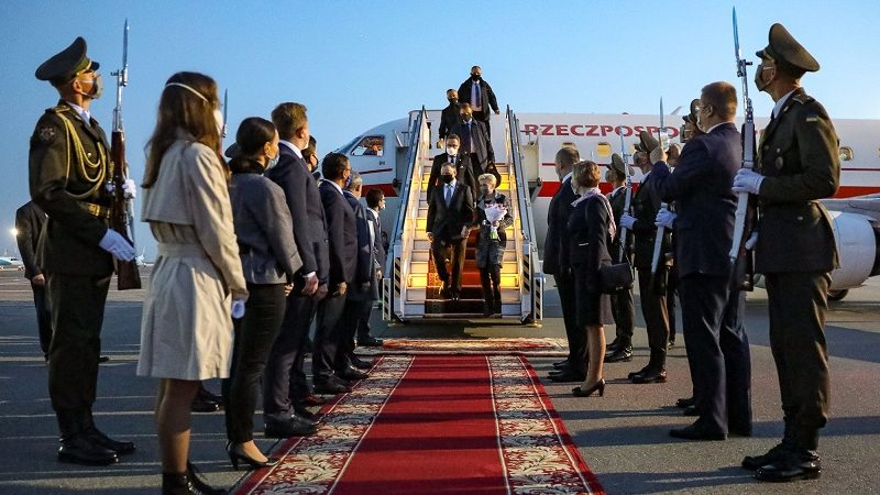 Powitanie pary przydenckiej na lotnisku w Kijowie, źródło Jakub Szymczuk KPRP