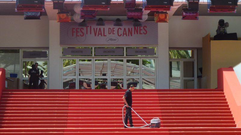 W tym roku na słynnym czerwonym dywanie w Cannes nie będzie gwiazd światowego kina, źródło: PxHere (CC0 Public Domain)