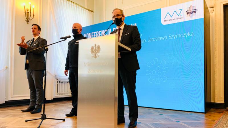 Konferencja prasowa ministra zdrowia i Komendanta Głównego Policji, źródło: Twitter/inisterstwo Zdrowia (@MZ_GOV_PL)