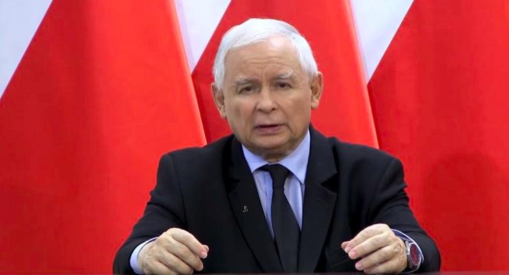 Jarosław Kaczyński wygłosił oświadczenie, które umieszczono w formie wideo na profilu Prawa i Sprawiedliwości na Facebooku, źródło: Prawo i Sprawiedliwość (@pisorgpl)