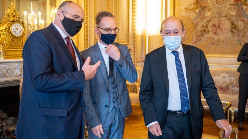 Ministrowie spraw zagranicznych Polski (Zbigniew Rau), Niemiec (Heiko Maas) i Francji (Jean-Yves Le Drian)