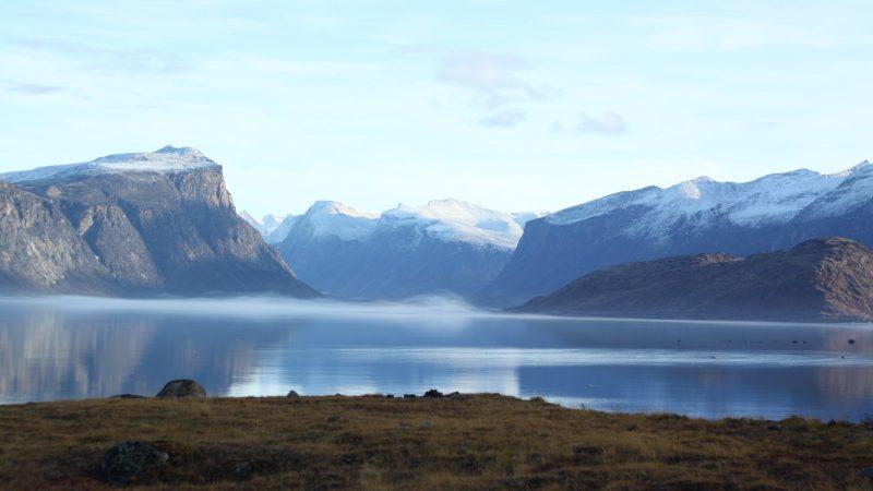 Duża część Nunavut jest praktycznie niezamieszkała. Łatwo tam o społeczną izolację (Photo by Isaac Demeester on Unsplash)