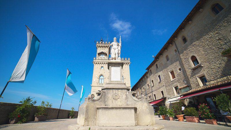 Z powodu zakazów we Włoszech, włoska branża eventowa przenosi sięze swoimi wydarzeniami do San Marino (Photo by Patrick on Unsplash)