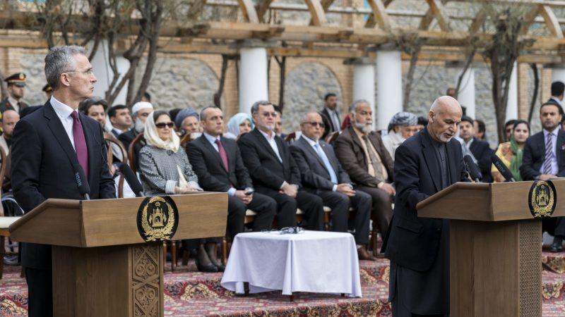 Sekretarz generalny NATO i prezydent Afganistanu Aszraf Ghani, źródło: Flickr/NATO North Atlantic Treaty Organization (CC BY-NC-ND 2.0)