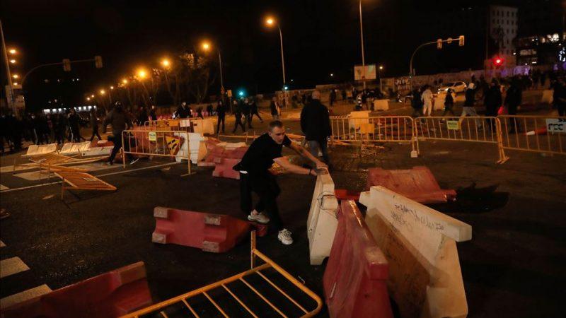 Hiszpania, koronawirus, protest, lockdown, COVID