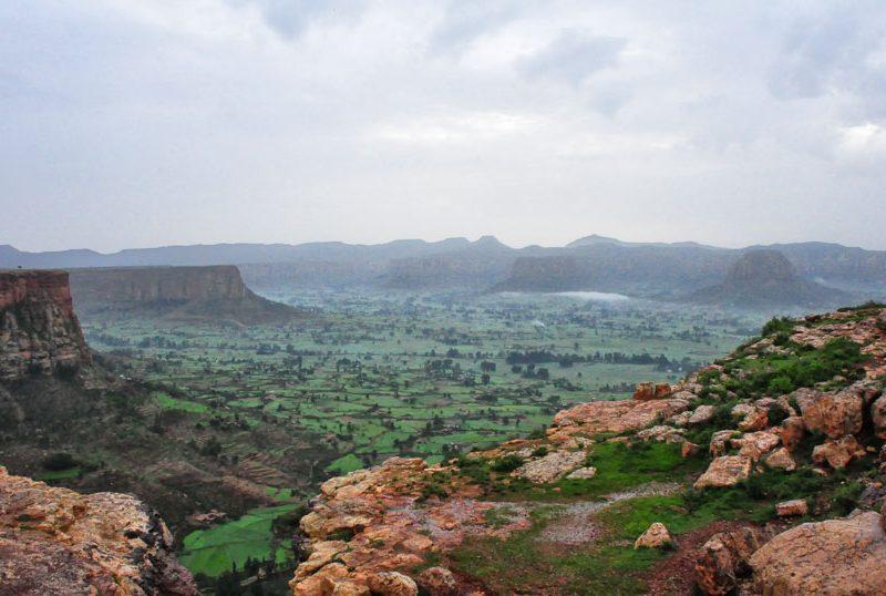 Krajobraz Tigraju jest bardzo górzysty, źródło: Wikipedia, fot. Rod Waddington (CC BY-SA 2.0)