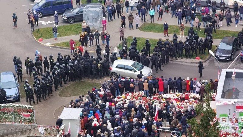 Plac Przemian w Mińsku, miejsce zatrzymania Ramana Bondarenki, źródło twitter Franak Viacorka za Radiem Swaboda