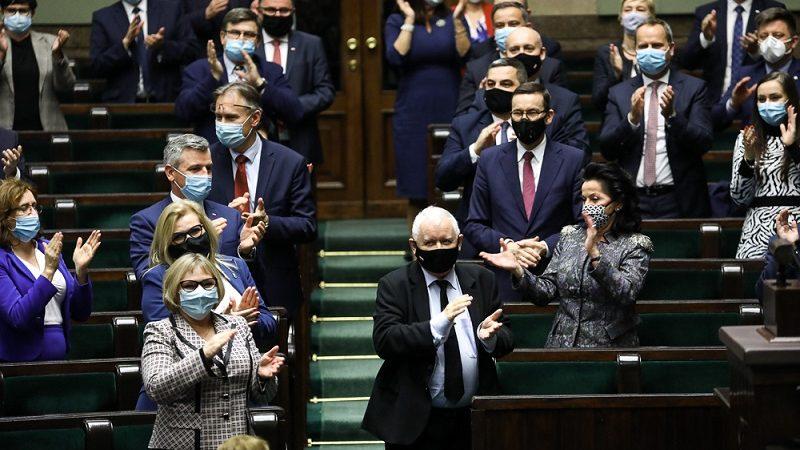 Prezes PiS, wicepremier ds. bezpieczeństwa jarosław Kaczyński w Sejmie, źródło pis.org