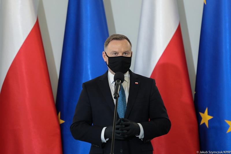 Prezydent Andrzej Duda w covidowej maseczce, źródło Jakub Szymczuk KPRM