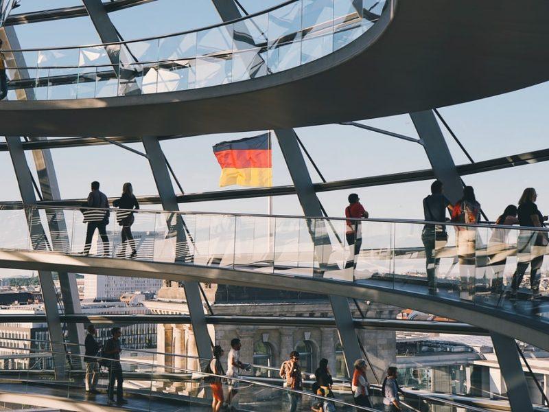 Niemcy, konstytucja, rasa
