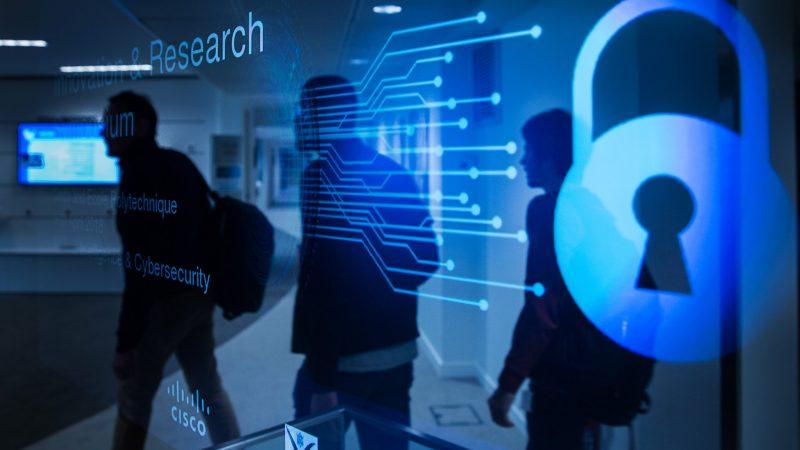 Nowa unijna agencja ds. cyberbezpieczeństwa znajdzie się w Rumunii, a nie w Polsce, źródło: Flickr/École polytechnique, fot. J.Barande