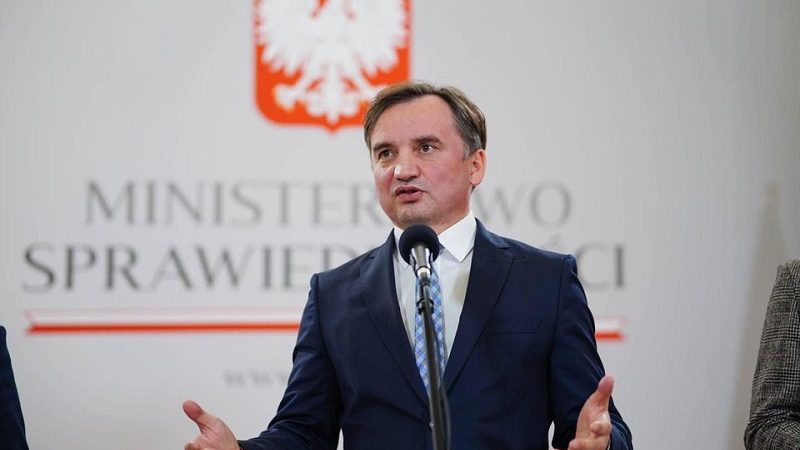 Lider Solidarnej Polski Zbigniew Ziobro, konf.pras. po decyzji o pozostaniu w koalicji, źródło facebook solidarnapl