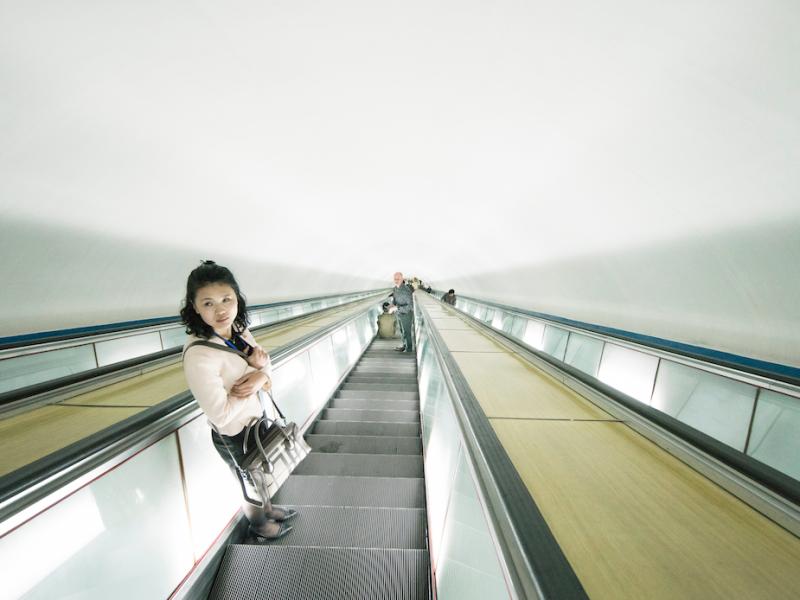 Metro w stolicy Korei Północnej - Pjongjangu (Photo by Random Institute on Unsplash)
