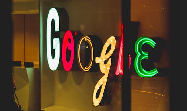Pozew wobec Google to kolejny w ostatnich dniach w USA zbiorowy pozew ws. praktyk monopolistycznych cyfrowego koncernu (Photo by Arthur Osipyan on Unsplash)