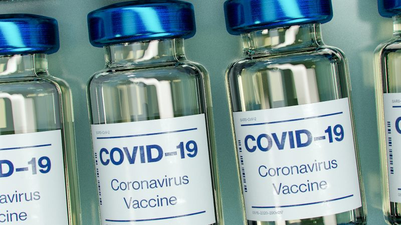 Według sondażu pod koniec 2020 r. najbardziej chętni, by przyjąć szczepionkę byli Tajowie i Brytyjczycy, a Polacy razem z Francuzami zamykali ranking.Zdjęcie: Unsplash