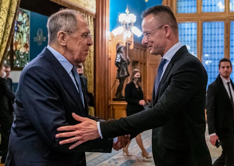 Ministrowie spraw zagranicznych Rosji Siergiej Ławrow i Węgier Péter Szijjártó podczas spotkania w Moskwie, źródło: Facebook/Szijjártó Péter (@szijjarto.peter.official)