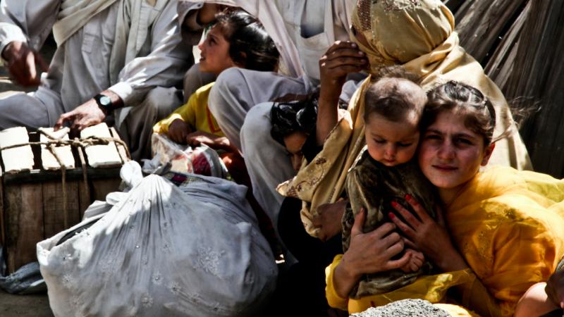 Pandemia sprawiła, że zagranicznej pomocy trzeba dziśw wielu miejscach na świecie, źródło: Flickr/DVIDSHUB, fot. Staff Sgt. Wayne Gray (CC BY 2.0)