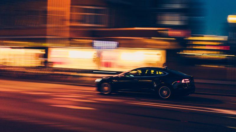 Polska stała się potentatem w produkcji akumulatorów litowo-jonowych dla pojazdów elektrycznych (Photo by Jannes Glas on Unsplash)