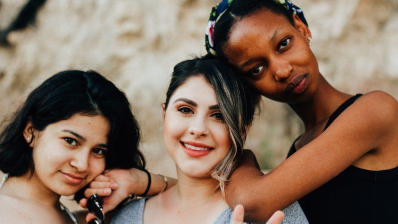 W 2020 r. kobiety wpłynęły na wiele spraw na wszystkich kontynentach (Photo by Omar Lopez on Unsplash)