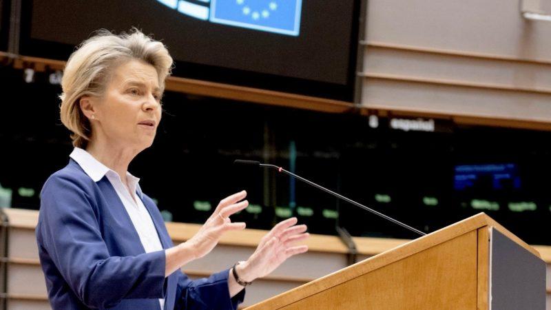 Komisja Europejska, BioNTech, Pfizer, AstraZeneca, szczepionka, dostawy, opóźnienia, Ursulavonderleyen-unia-europejska