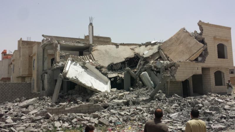 W czasie wojny domowej w Jemenie często dochodzi do bombardowań i ostrzałów artyleryjskich, źródło: Wikipedia, fot. Ibrahem Qasim (CC BY-SA 4.0)