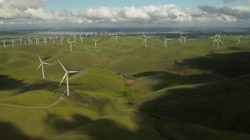 zielona odbudowa, energia, wiatraki