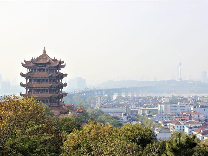Do pierwszych znanych na świecie zakażeń koronawirusem SARS-CoV-2 doszło w mieście Wuhan w Chinach, źródło: pixabay, fot. larcomar