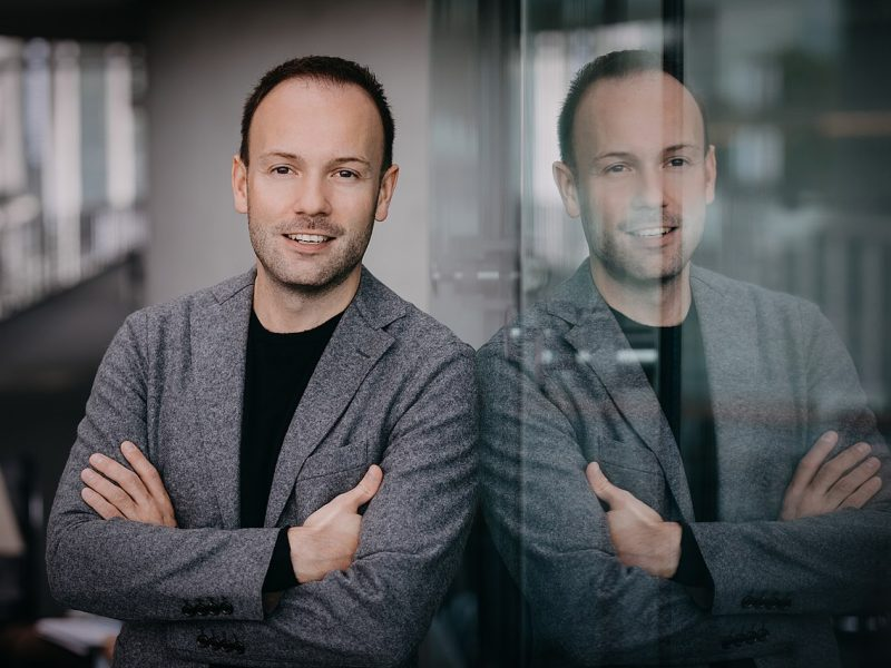 Nikolas Löbel