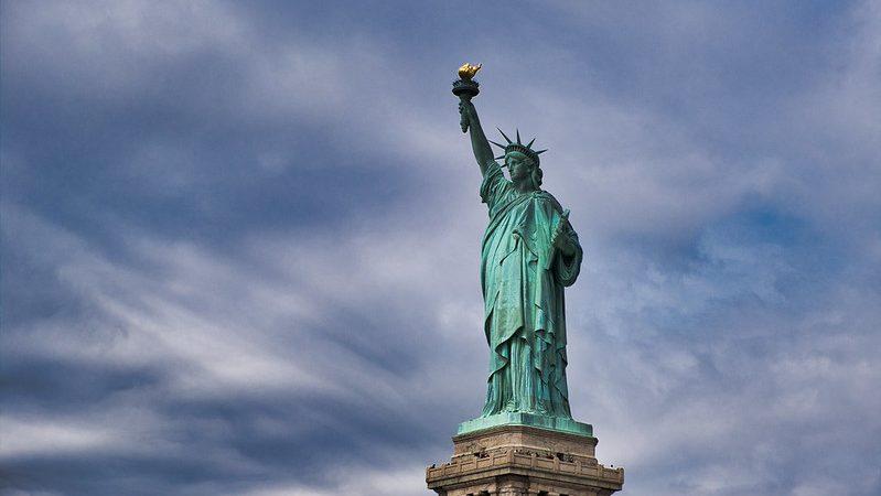demokracja, Unia Europejska, Freedom House, Donald Trump, Joe Biden, Polska, Węgry, pandemia, Chiny, Rosja
