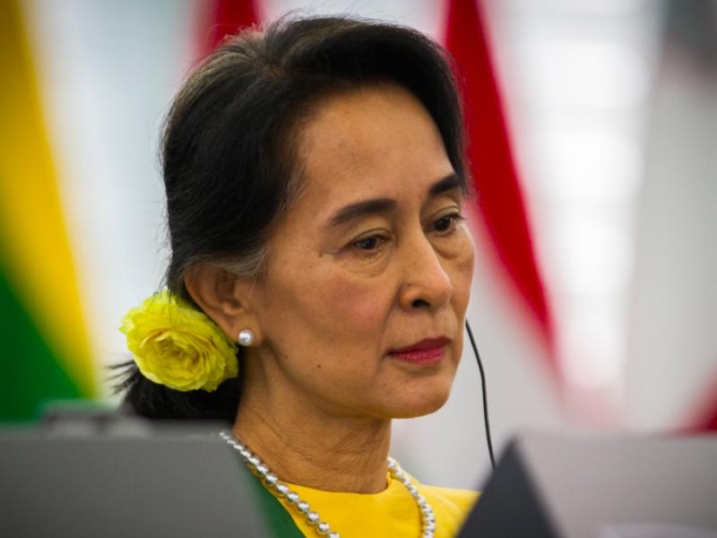Aung San Suu Kyi znów została aresztowana przez wojskową juntę, źródło: Wikipedia, fot. Claude Truong-Ngoc (CC BY-SA 3.0)