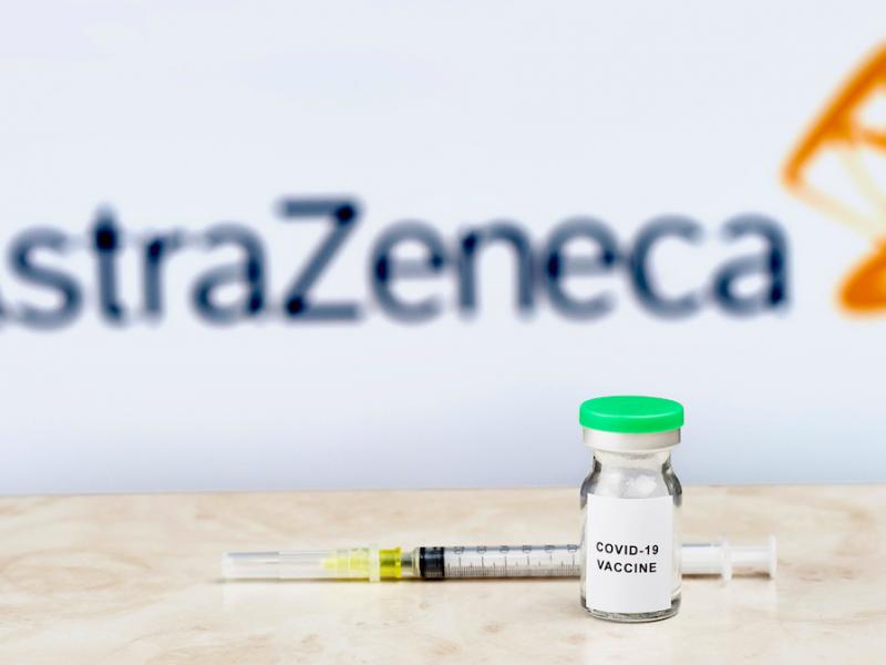 Szczepionka AstraZeneca. Źródło: Flickr, fot. Marco Verch (CC BY 2.0)