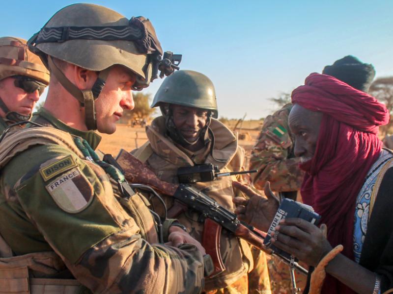 Francuscy żołnierze podczas realizacji Operacji Barkhane w Mali, źródło: Wikipedia, fot. TM1972 (CC BY-SA 4.0)