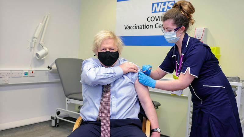 Premier Wielkiej Brytanii Boris Johnson otrzymał szczepionkę AstraZeneca, źródło: Twitter/Boris Johnson (@BorisJohnson)