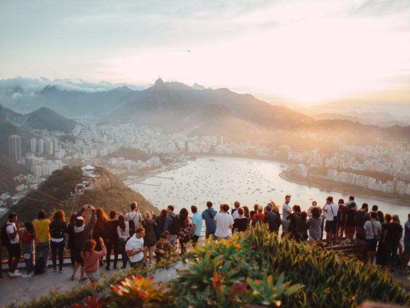 Branża turystyczna straciła przez pandemię w 2020 r. aż4,5 bln dolarów (Photo by Elizeu Dias on Unsplash )