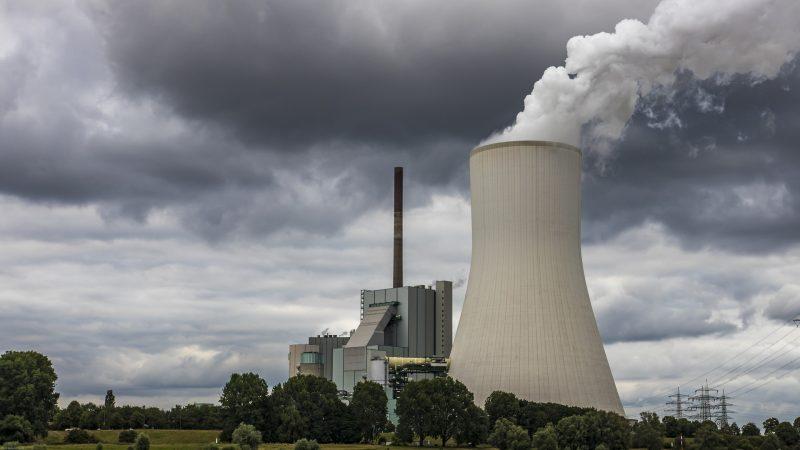 Wprowadzenie opłaty związane jest z ambitnym planem Europejskiego Zielonego Ładu,który zakłada, że do 2050 r. UE będzie w stanie usuwać tyle emisji CO2, ile wytworzy