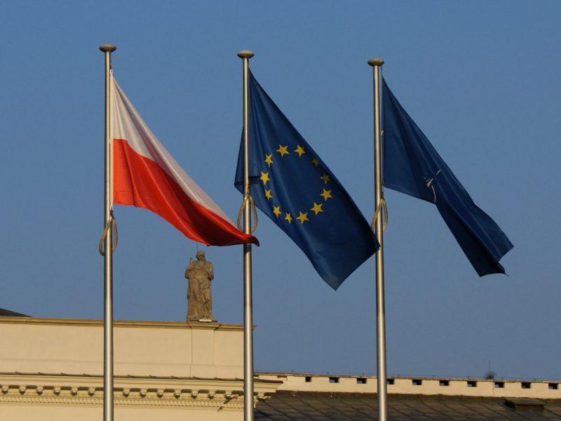 Polska, UE, Eurobarometr, KE. pandemia. fake news, demokracja