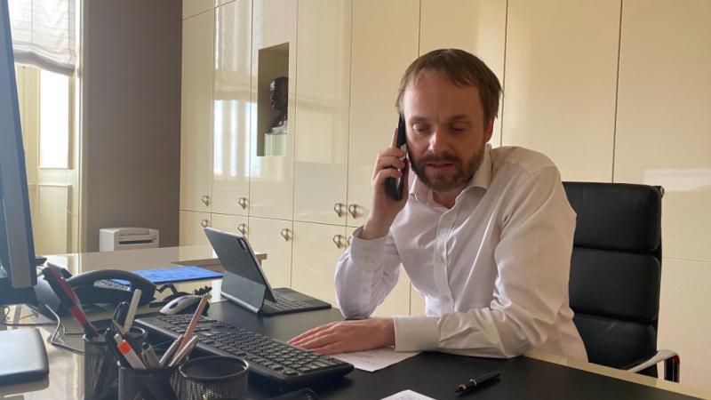 Czeski minister spraw zagranicznych Jakub Kulhánek zadzwonił do swojego słowackiego odpowiednika z podziękowaniem za akt dyplomatycznej solidarności, źródło: Facebook/Jakub Kulhanek (@JakubKulhanek)