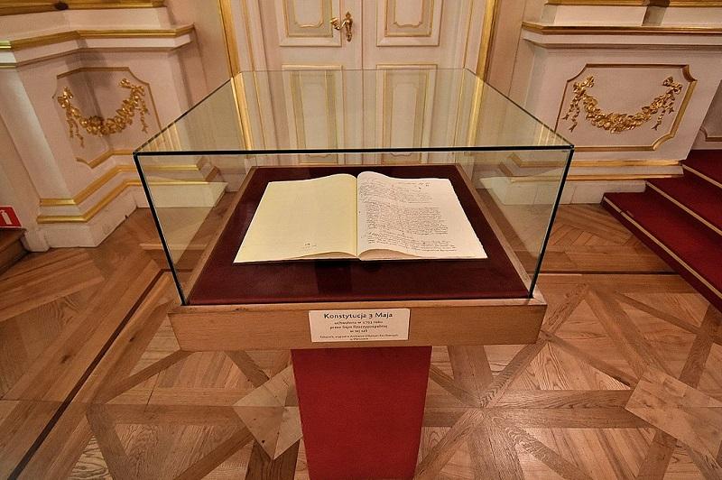 Kopia Konstytucji 3 maja, Zamek Królewski w Warszawie, źródło wikipedia Adrian Grycuk