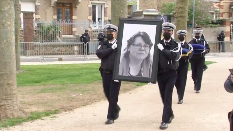 We Francji oddano hołd pracownicy policji zabitej przez terrorystę, źródło: Facebook/Jean Castex (@JCastexPM )