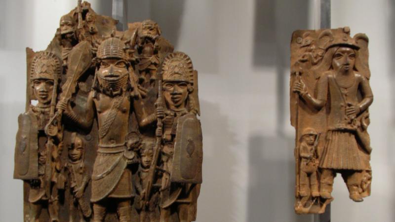 Niemcy-brązy-z -Beninu-Afryka-kolonializm-Holandia-Francja-muzeum-sztuka-restytucja-dzieł-kultury