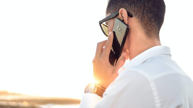 Klienci największej holenderskiej sieci telekomunikacyjnej mogli być narażeni na podsłuchy ze strony chińskiego koncernu (Photo by Hassan OUAJBIR on Unsplash)